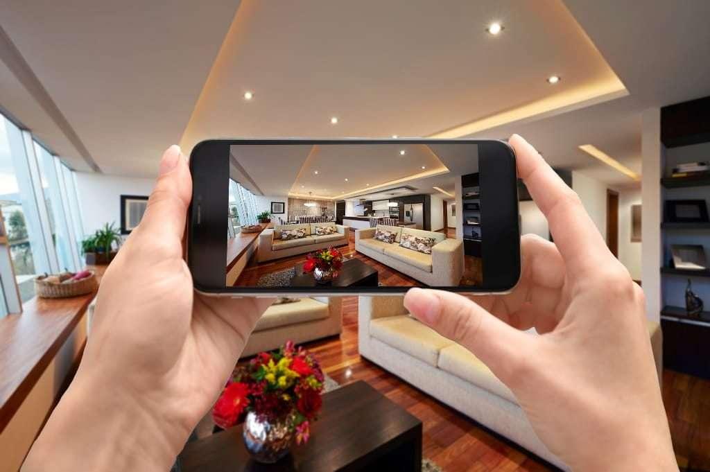 Virtual moving survey of a living room